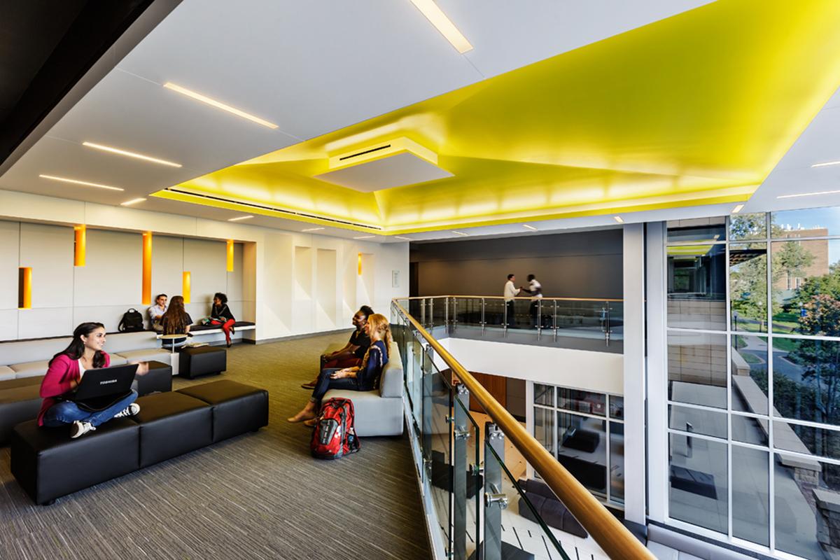 Pulsuz t hsil ver n avropa universitetl ri for University of arizona interior design