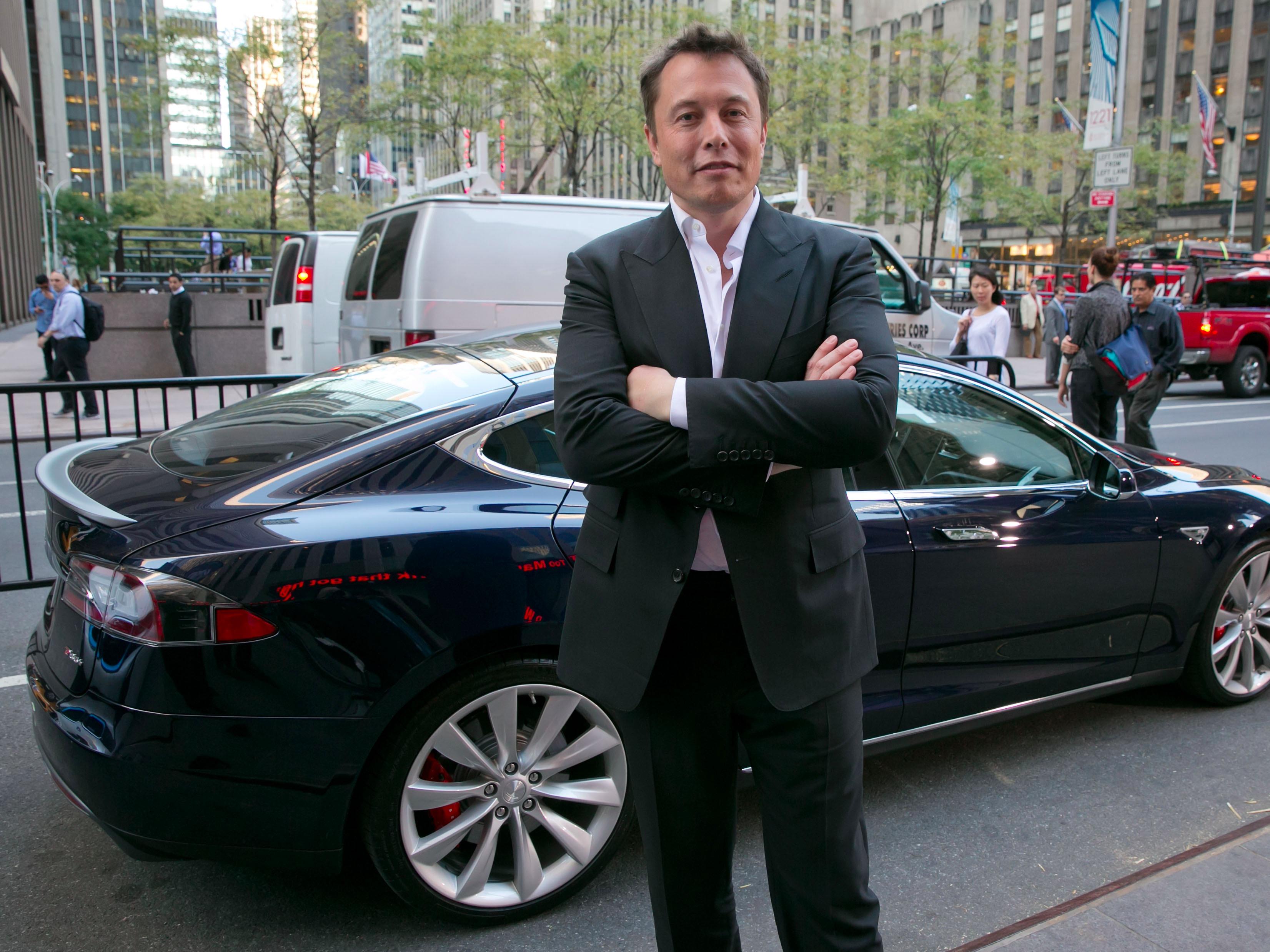 Səhər yeməyindən imtina edən, email və telefon zənglərinə cavab verməyən Elon Maskın gündəlik rejimi - Bizplus.az